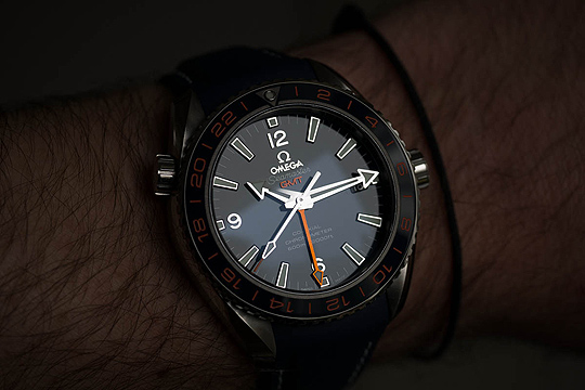 Monochrome Essentials: Reviewing the Omega Seamaster Planet Ocean 600M GMT Replica Watch